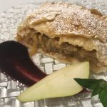 Recept: Jabolčni zavitek (ali po domače štrudelj)