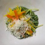 Recept: Ovsena rižota s špinačnim pirejem in zelenjavo